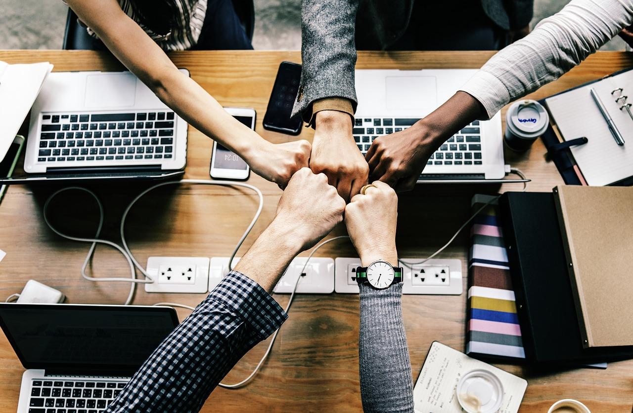 Liderança: o que é + 3 tipos + 10 habilidades de um bom líder 3