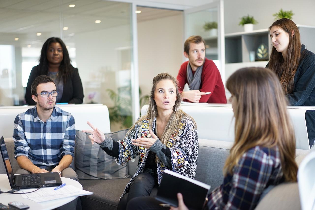 Liderança: o que é + 3 tipos + 10 habilidades de um bom líder 1